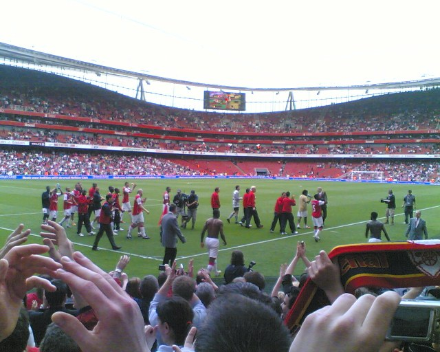 Gallas Strips At Arsenal, Emirates Stadium
